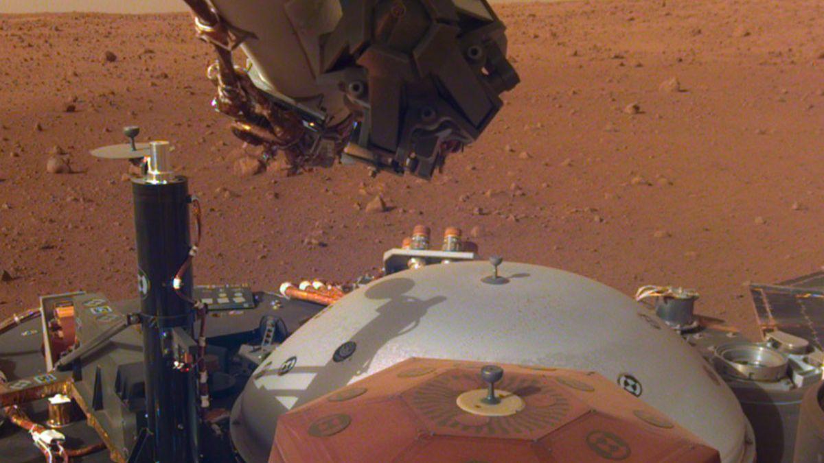 Americká sonda InSight poslala zMarsu první zvukový záznam