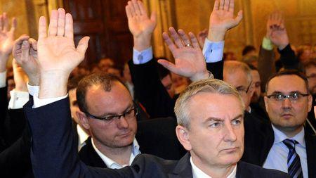 Policie ukázala na další podezřelou zakázku: Vyhrála nejvyšší nabídka, smlouvu podepsal poslanecANO