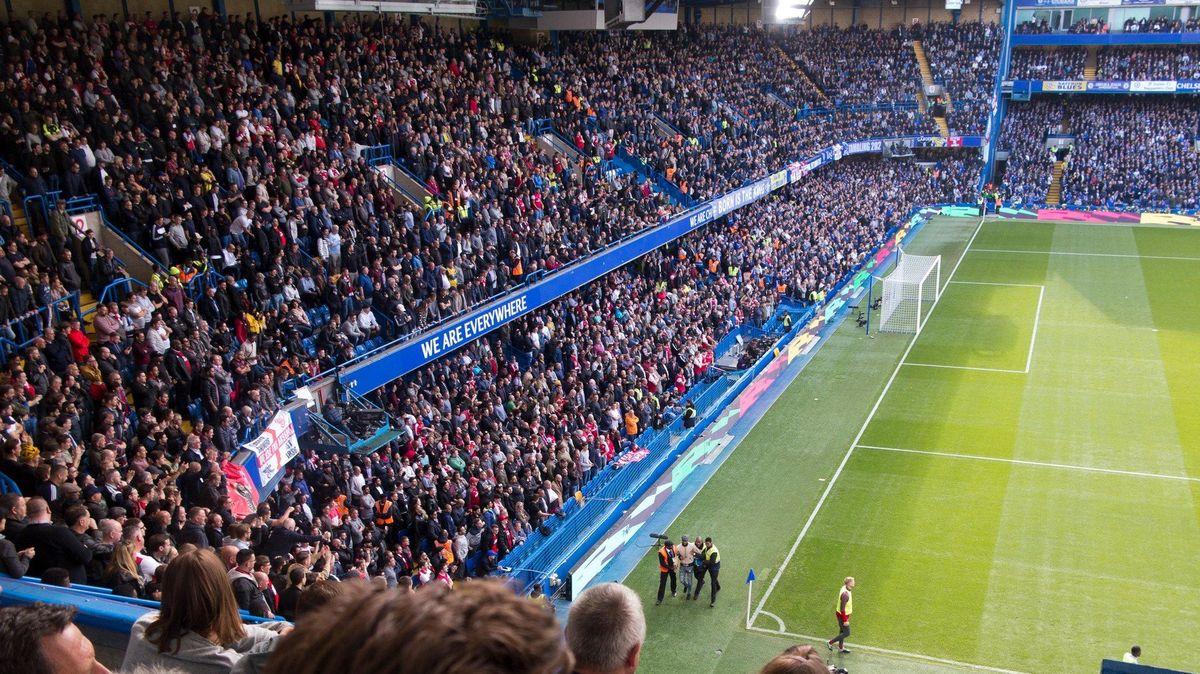 Pojedeš do Osvětimi, nebo tě už nepustíme na stadion, Chelsea vyrazila do boje proti antisemitismu