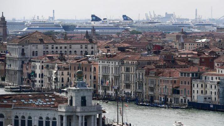 Benátky hlasují osamostatnosti. Chtějí skoncovat smasovým turismem