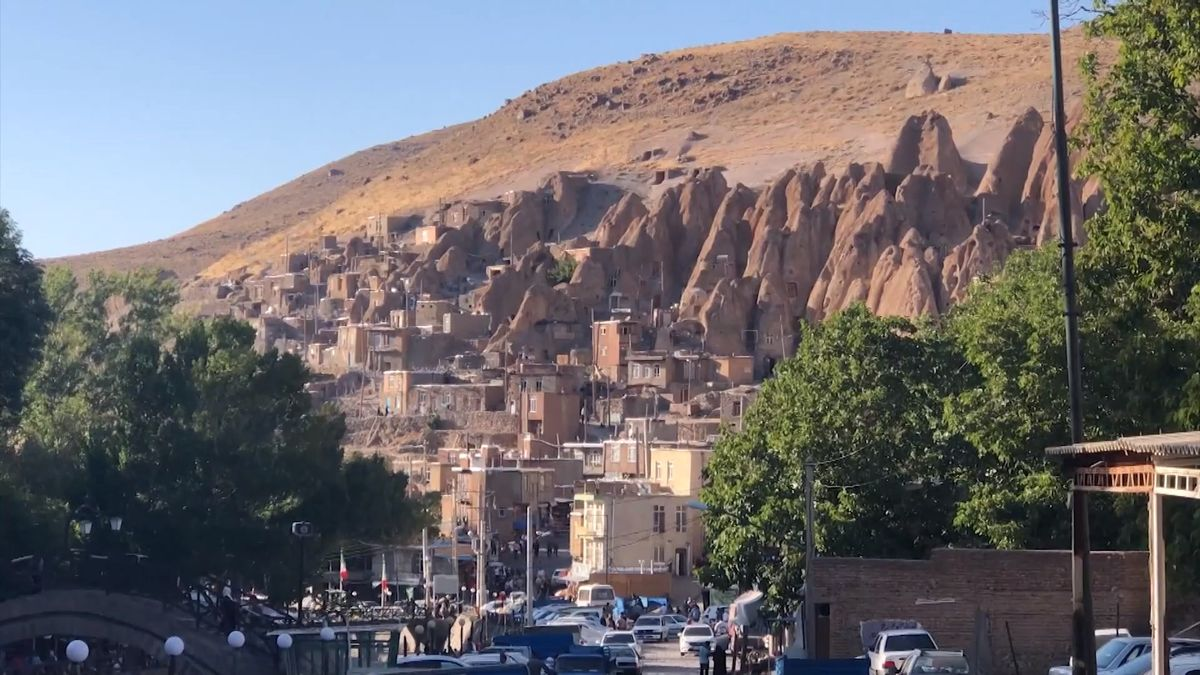 Vesnice, kde žijí lidé vjeskyních stejně jako jejich předci před 800lety