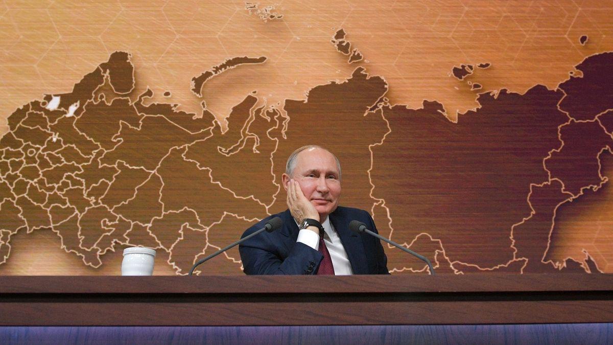 Putinův televizní maraton: Ukrajina, nový prezident a skřítek Dobby