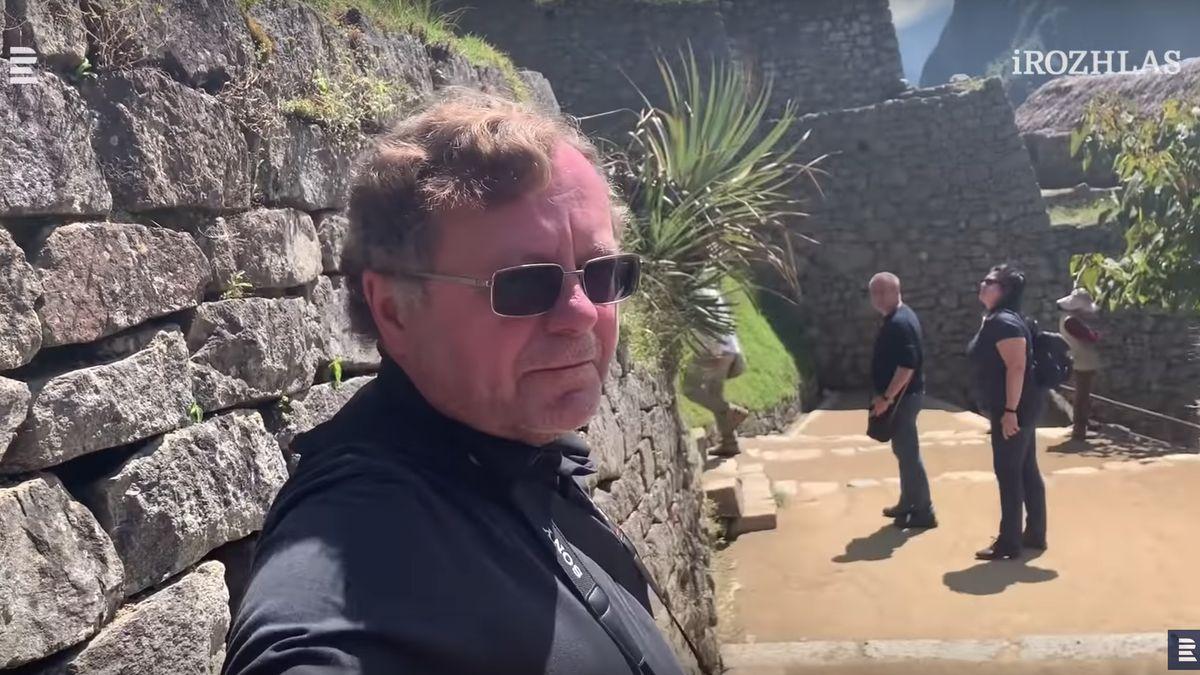 Šéf kontrolorů Kala a několik poslanců na služební cestě vyrazili na Machu Picchu