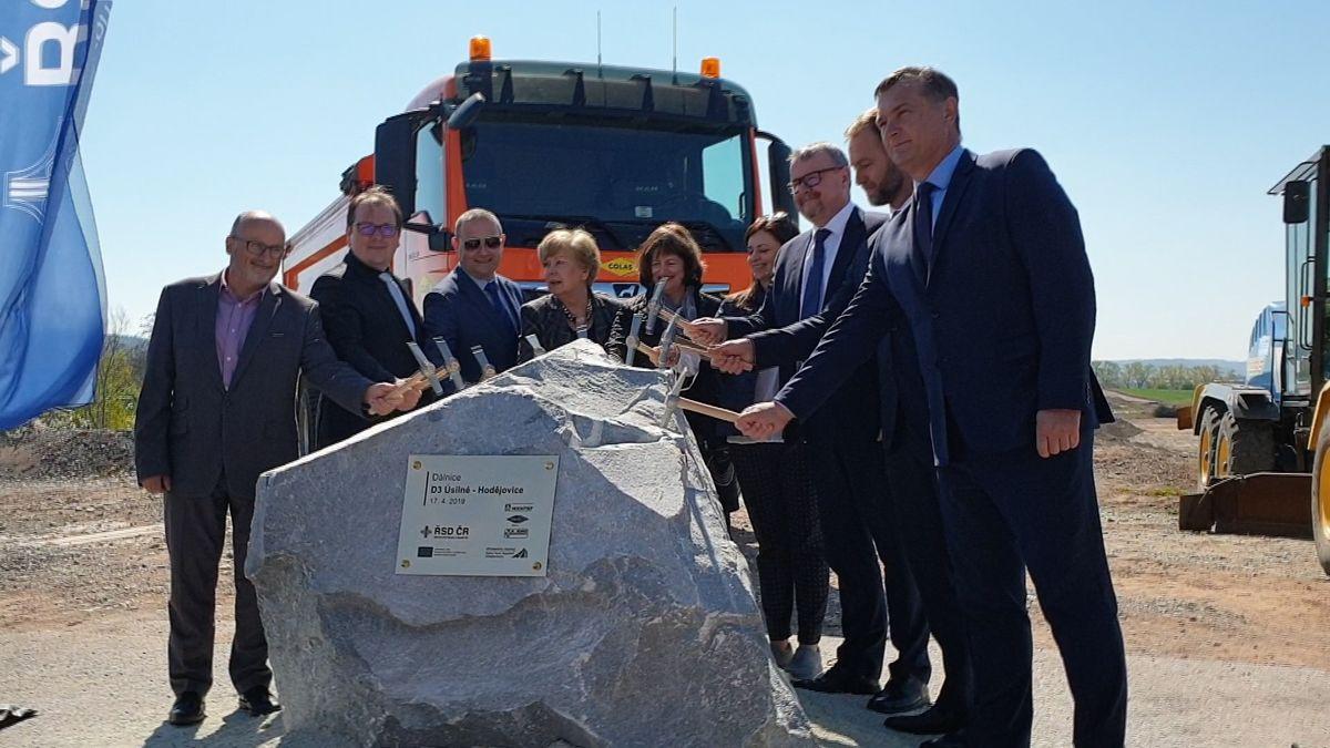 Začala stavba obchvatu Českých Budějovic, jihočeská dálnice D3 není ale zdaleka před dokončením