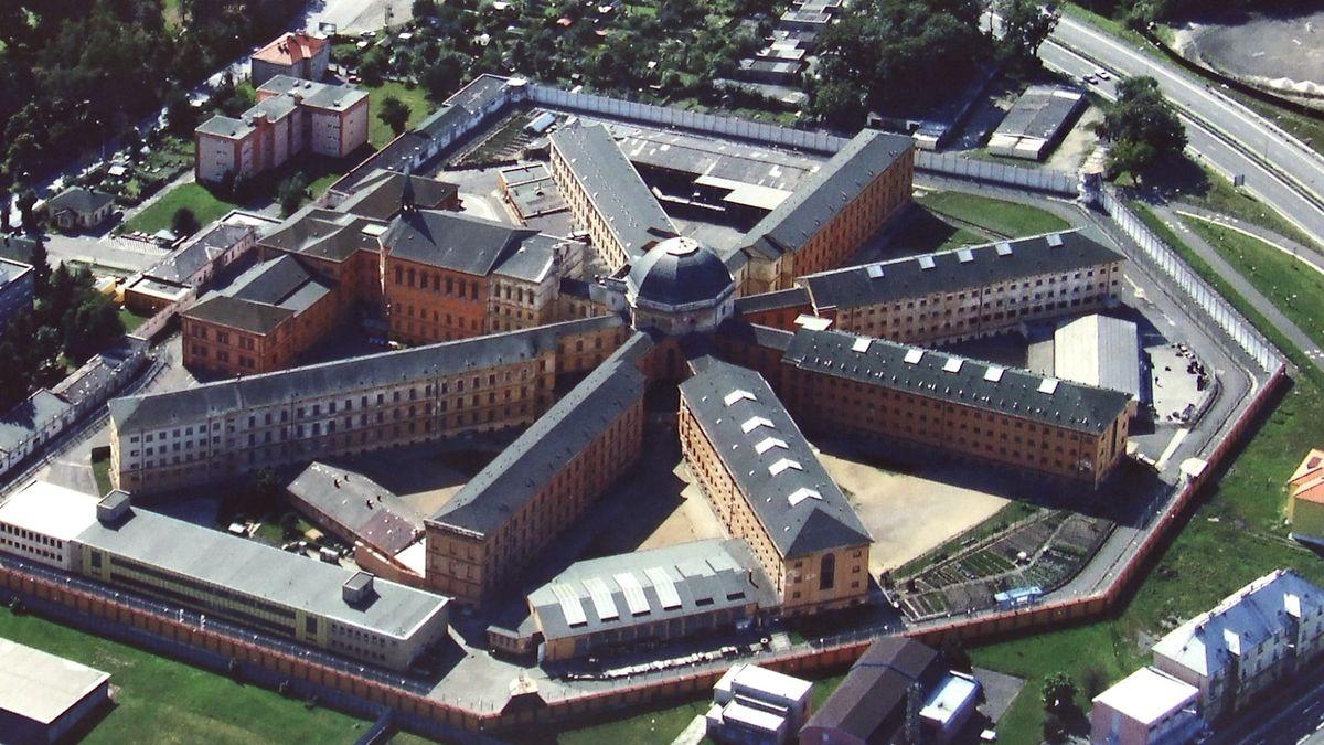 Stát pustil soukromníka do věznice na Bory. Má vybudovat továrnu pro vězně