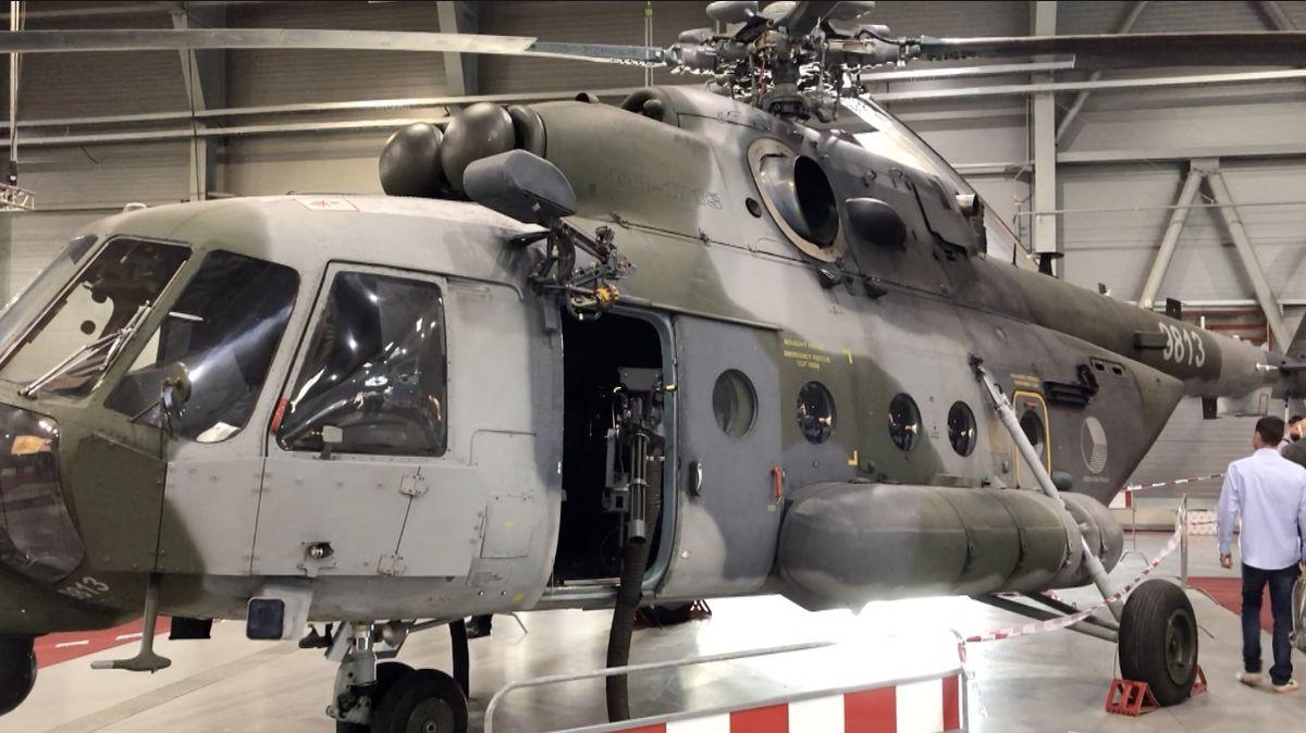 Začala výstava vojenského high tech. Kvidění je ičeský bezpilotní vrtulník
