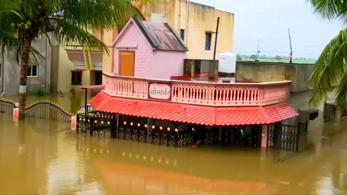 Záplavy a sesuvy půdy sužují jižní a jihovýchodní Asii, přes sto mrtvých