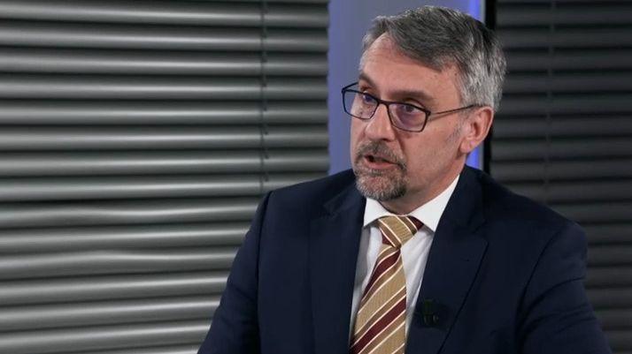 Večerní zprávy: Kremlík a Havlíček novými ministry, Rohingové vBangladéši a nedostatek vakcín
