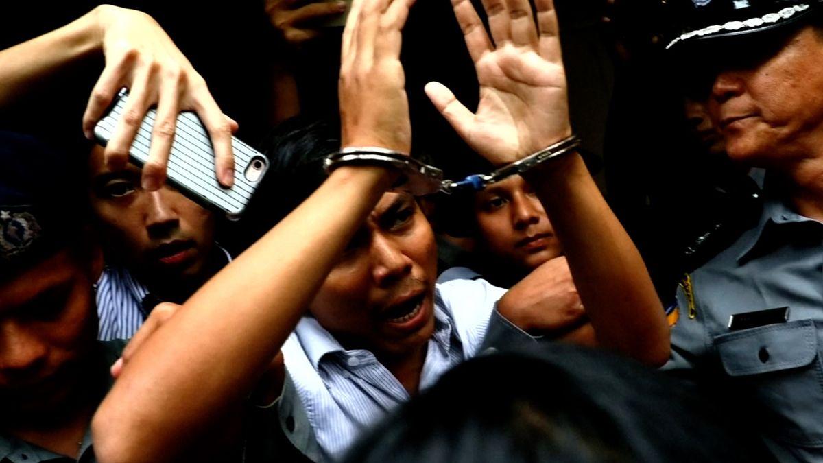 Příběh barmských reportérů: ve světě uznání a Pulitzer, doma pouta a vězení