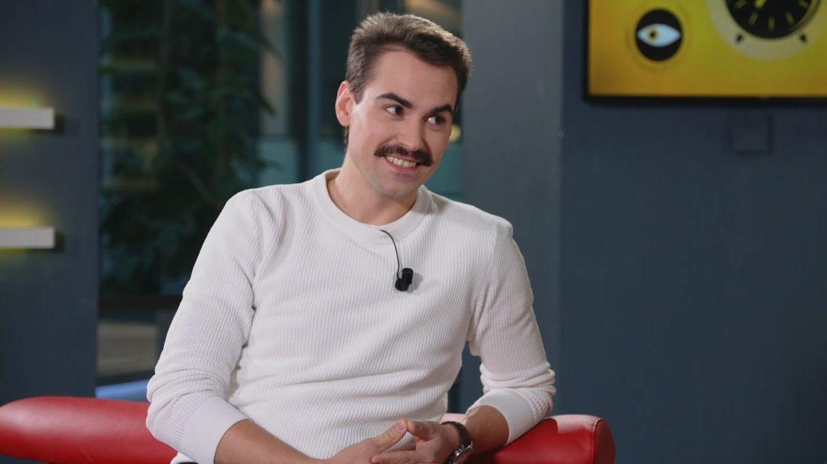 Chtěl jsem být hokejistou, jsem rád, že mi to nevyšlo, říká český představitel Freddieho Mercuryho