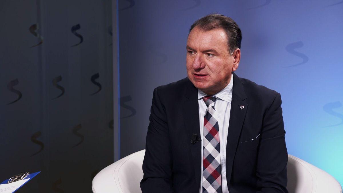 """Bobošík chce ovládnout ruské sklářství. """"Je správný čas,"""" říká manažer sibiřského oligarchy"""