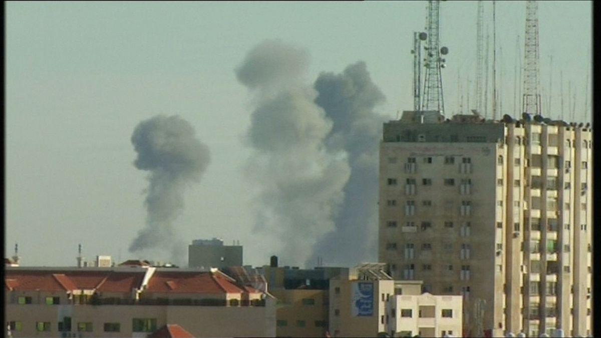 Konflikt vPásmu Gazy eskaluje, Netanjahu nařídil pokračovat vútocích