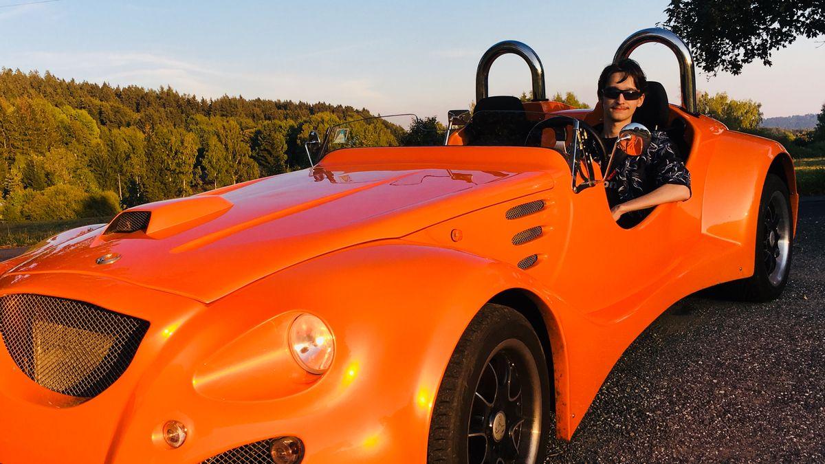 Jizerskohorská automobilka chystá elektromobil pro patnáctileté řidiče