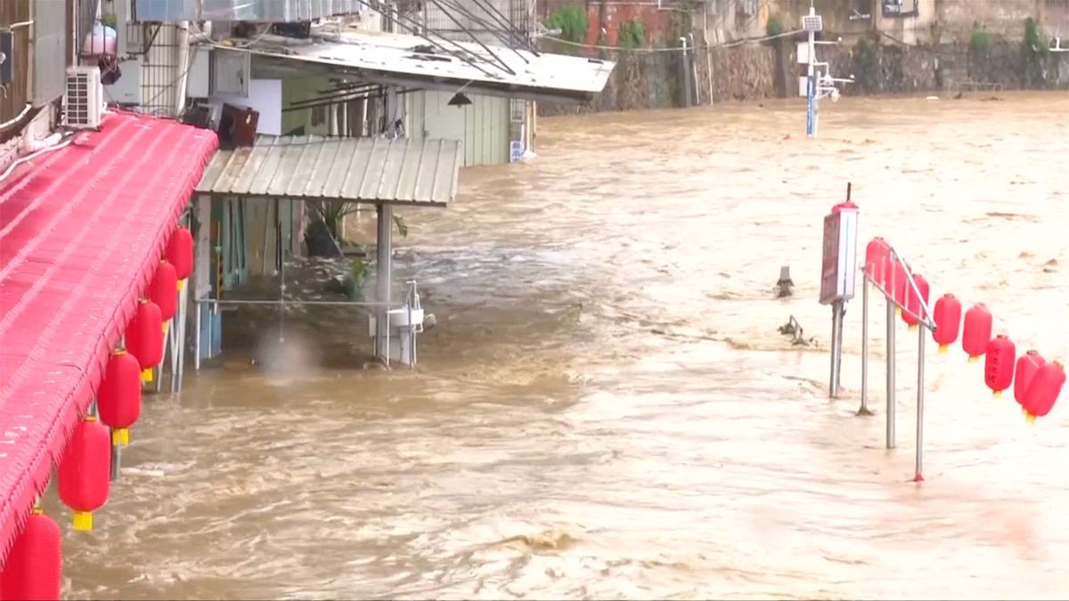 Silné deště si vČíně vyžádaly 17mrtvých. Celkem záplavy zasáhly více než půl milionu lidí