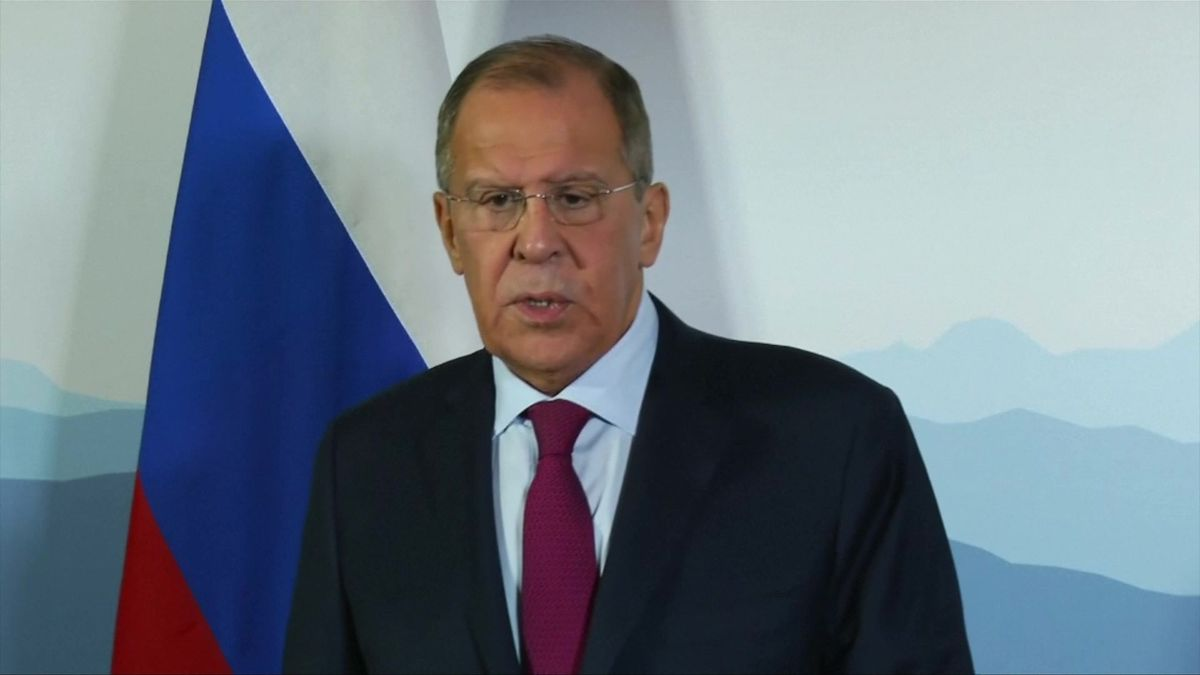Ruský ministr útočí na Ukrajinu. Tamní režim má rysy neonacismu, řekl vrozhlase