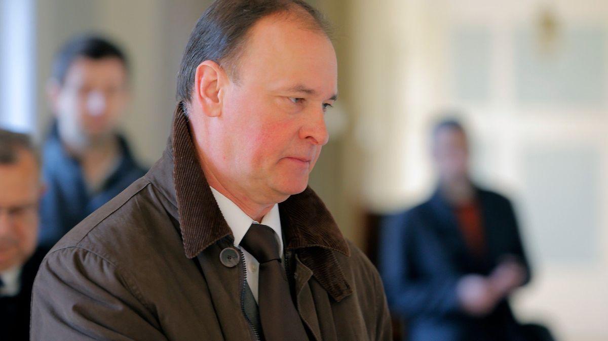 Soud zpřísnil Kadlecovi trest za rozkrádání Čepra na sedm let