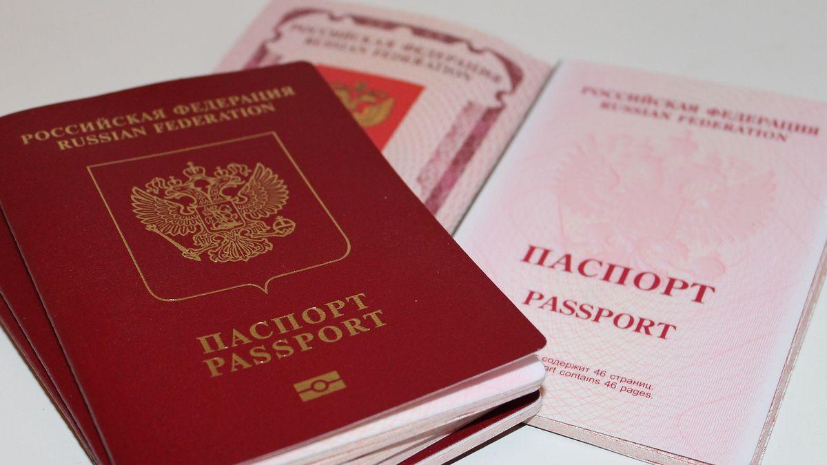 Rusko už rozdává pasy Ukrajincům zDonbasu. Kyjev tlačí na další sankce