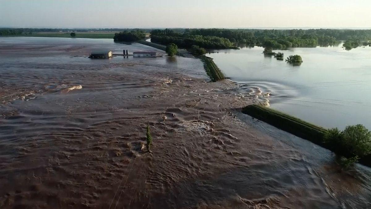 Záplavy vArkansasu a vMissouri prolomily protipovodňové hráze
