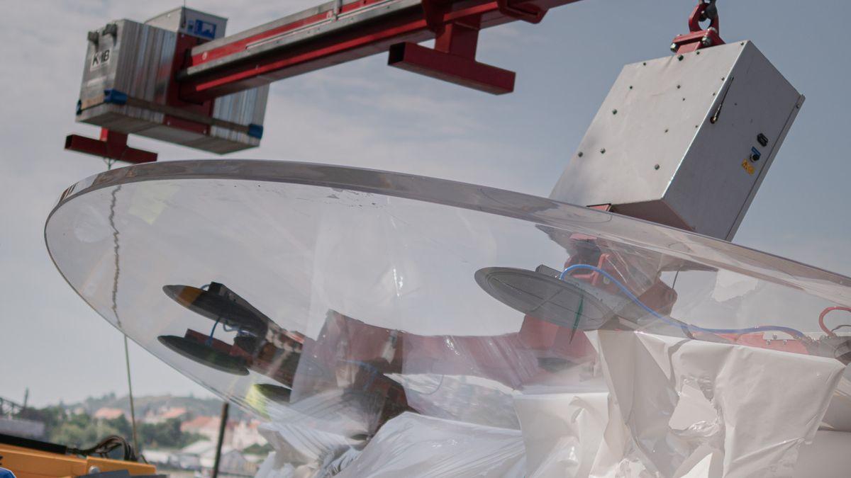 Pražské náplavky prochází změnou. Opravené kobky dostávají nová okna, brzy se vprostorách otevřou kavárny igalerie