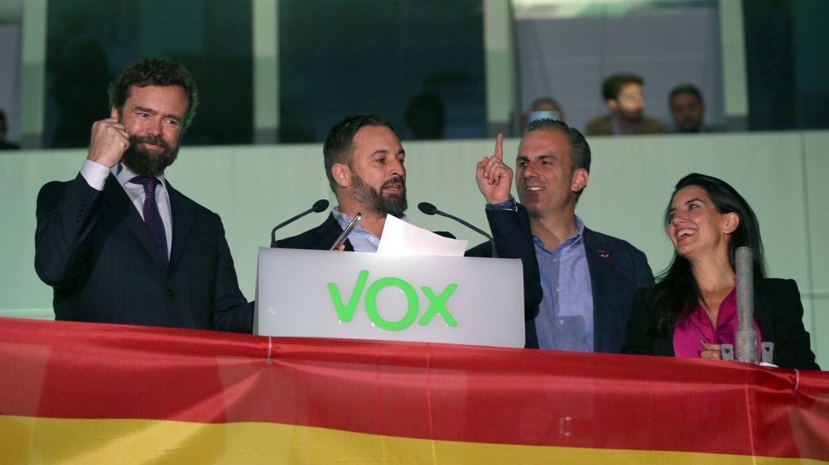 Krajní pravice slaví úspěch ve Španělsku. Zabodovala stvrdým plánem proti katalánským separatistům