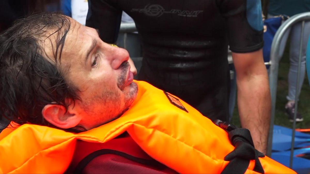 Závod ledovou Vltavou pomohl pacientům sALS, nemocí, okteré se vČesku příliš neví