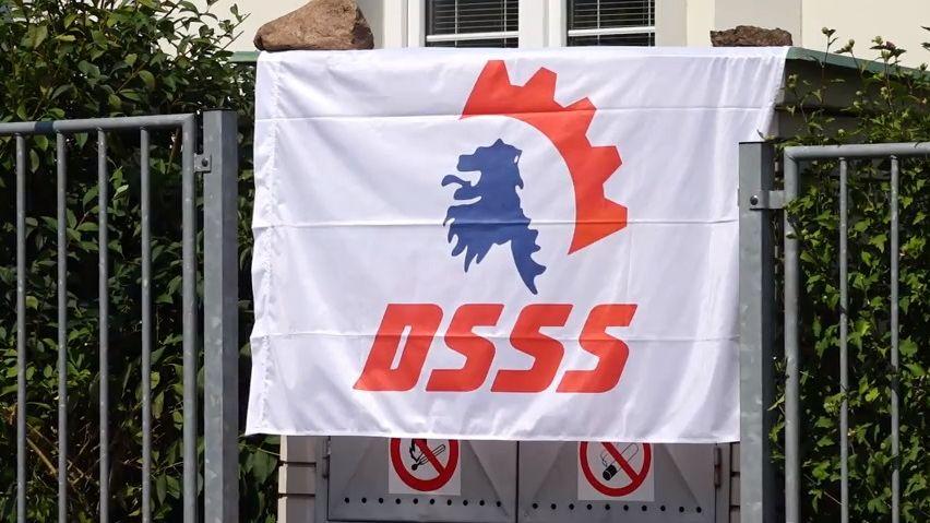 Půl roku po akci DSSS: Soud potrestal pachatele za loupež. Rasismus a hajlování neřešil