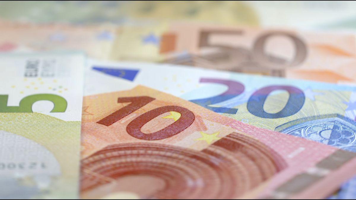 ECB letos úroky nezvýší, bankám poskytne víc úvěrů