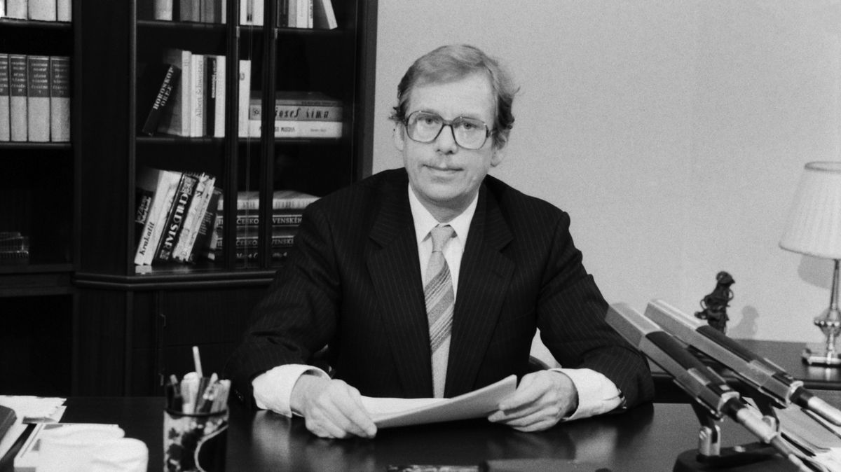 Václav Havel před 30lety naložil jak pán. To si národ za rámeček nedal