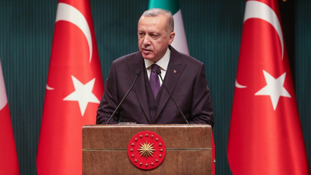 Ekonomická krize vTurecku? Erdogan ji řeší válčením
