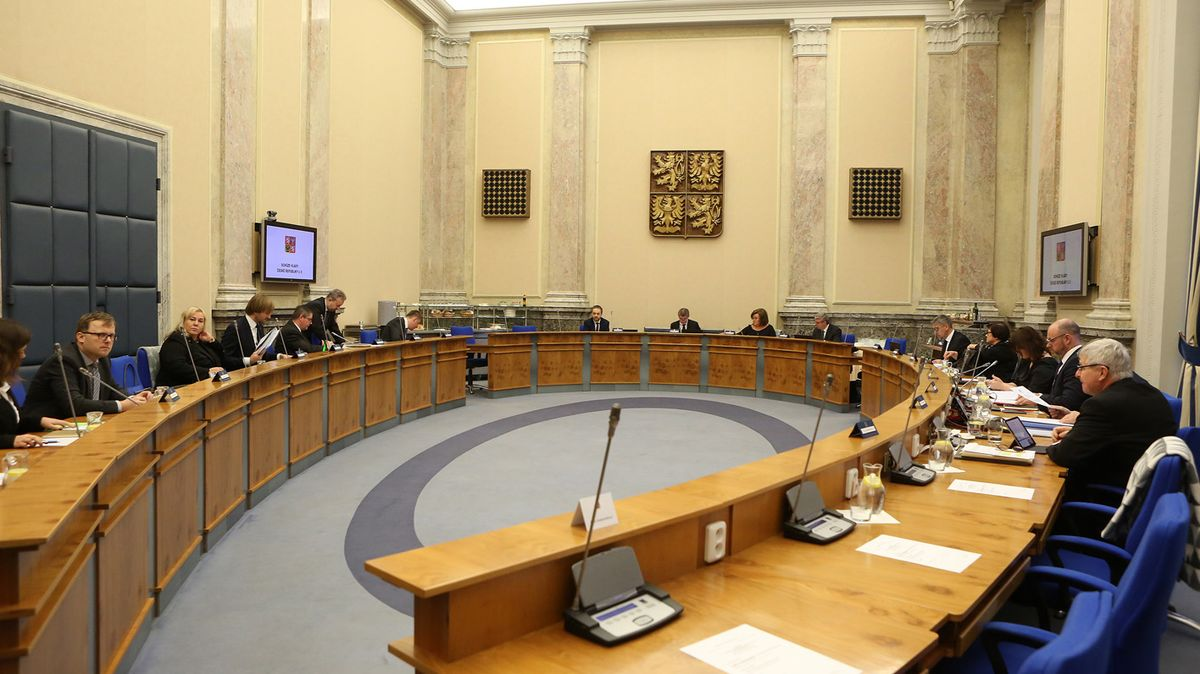 Glosa: Česko (Agrofert) versus Brusel. Proč nám otom neřekli?