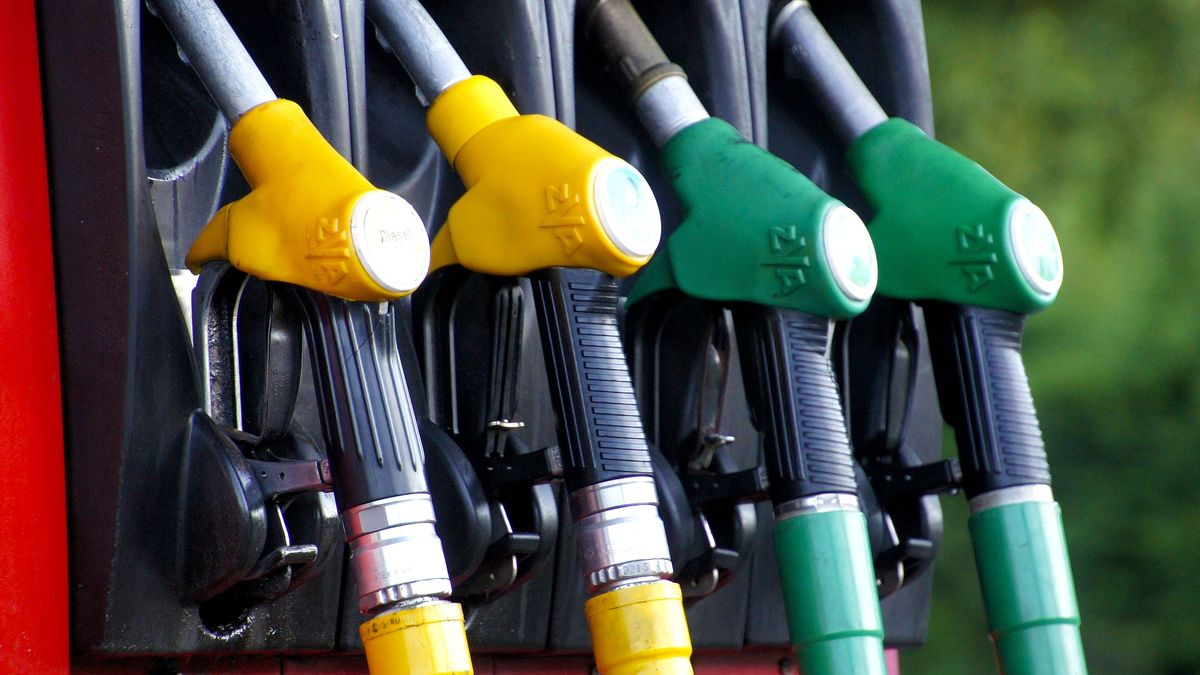 Benzin a nafta zdražují. Čerpadláři si vylepšují zisky