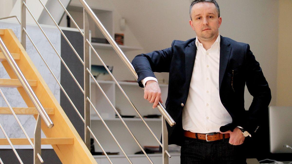 Firma zetě Schillerové dostala pokutu pět milionů od ČNB