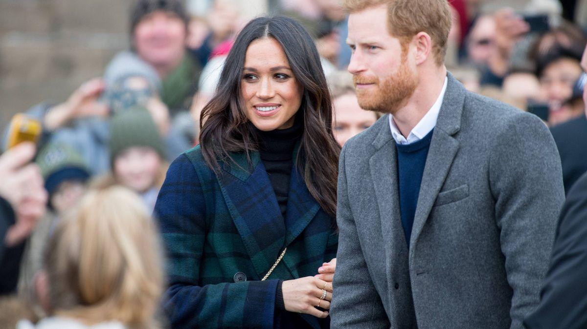 Princ Harry a Meghan nebudou používat královské tituly, uvedla královna