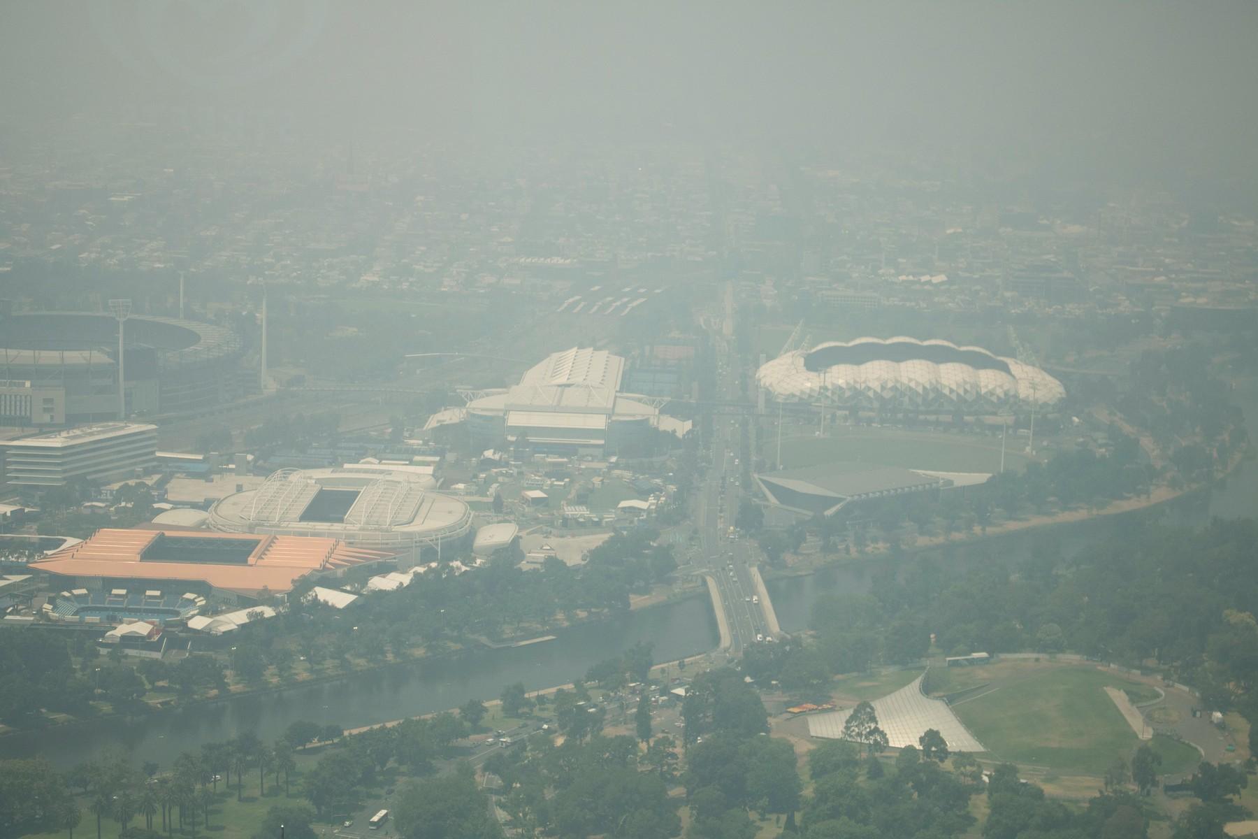 Dým z hořícíh lesů dusí celé město