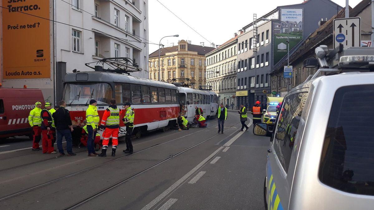 VBrně se srazily tramvaje, deset lidí je zraněných