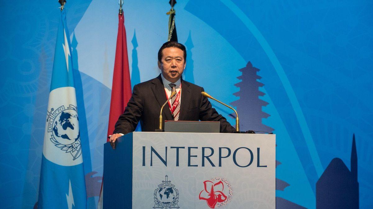Čínský soud poslal bývalého šéfa Interpolu do vězení na 13,5roku