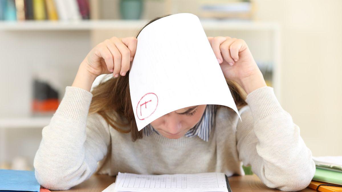 Psychicky nemocní studenti jsou vládě lhostejní, kritizují odborníci