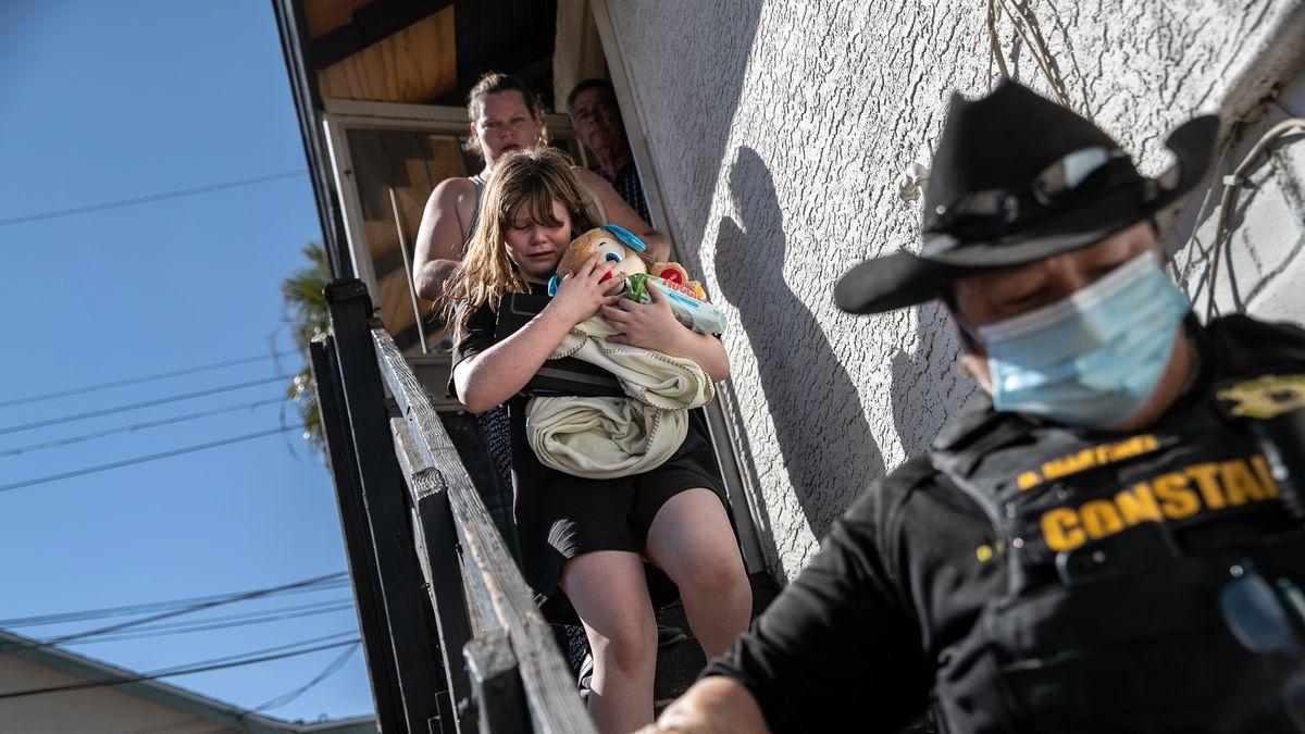 Fotky: Po krizi koronavirové krize bytová. Američané se musí vystěhovat
