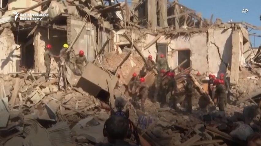 Záběry zprůmyslových kamer: Příměří vKarabachu nikdo nedodržuje