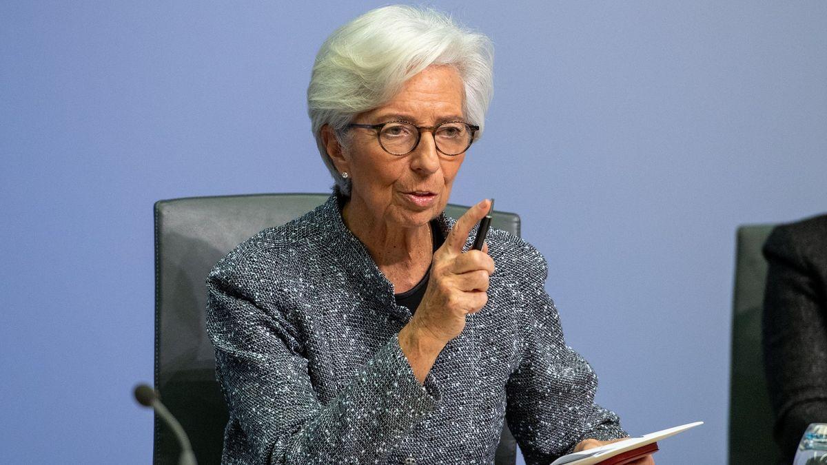 Drahá elektřina a plyn tu snámi zůstanou déle, přiznala prezidentka ECB