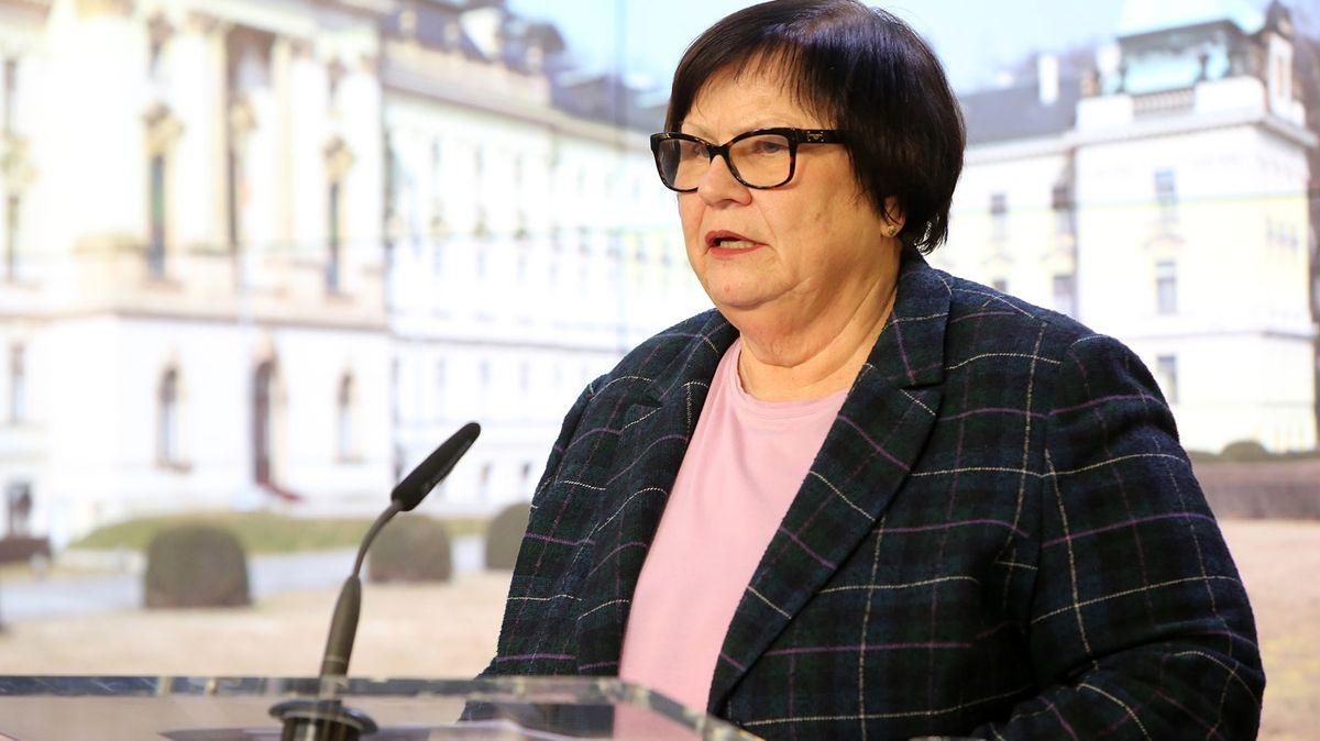 Benešová chce detektivům vzít korupční kauzu soudce Sováka