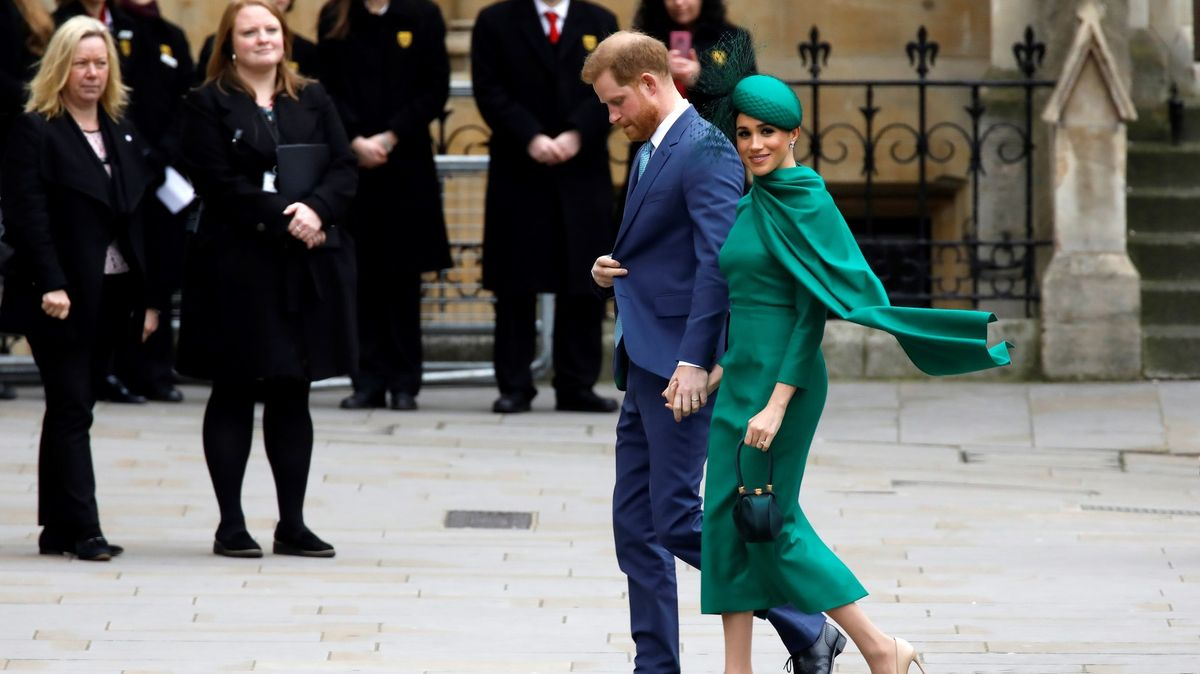 Harry a Meghan vyhráli spor sbulvárem, vyfotil bez dovolení jejich syna