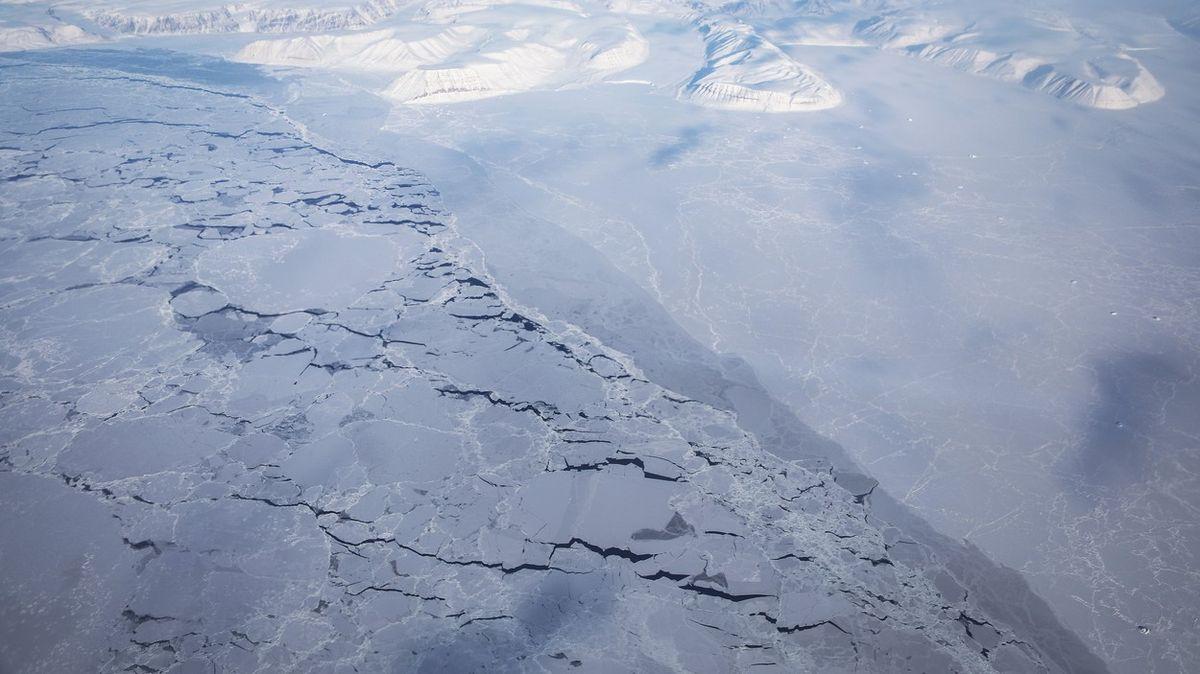 """""""Ještě že jsme tam nebyli."""" Vědci popsali, jak zmizel ledovec ise stanicí"""