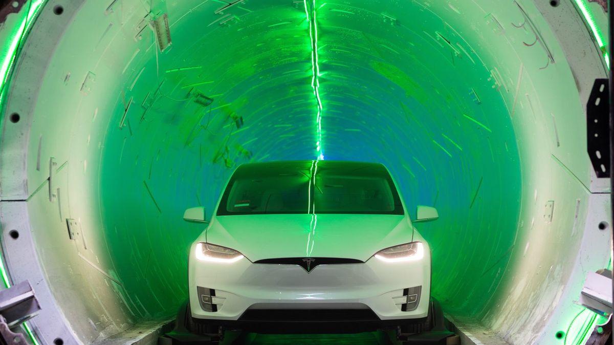 Do vesmíru a do podzemí. Elon Musk hloubí tunely pod Las Vegas