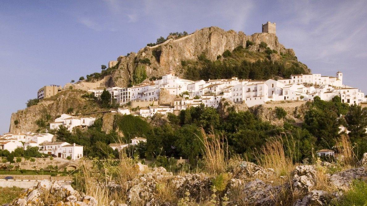 Španělské středověké městečko chrání před koronavirem hradby