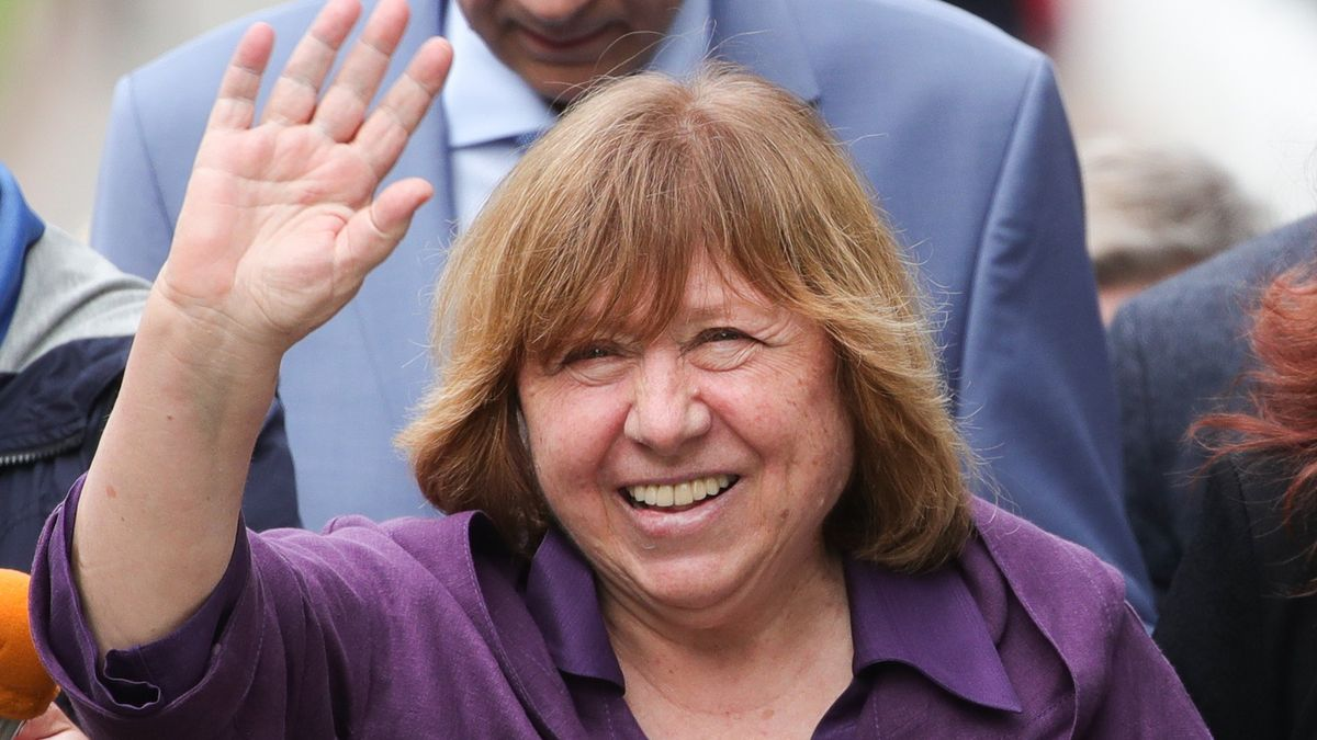 Nobelistka Alexijevičová opustila Bělorusko. Důvodem prý není politika