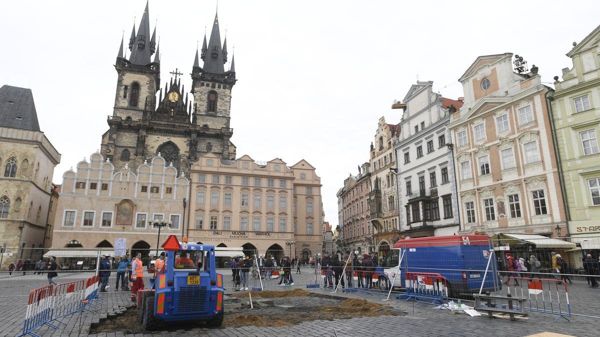 Za staveniště pro Mariánský sloup zaplatí spolek firmě města milion korun