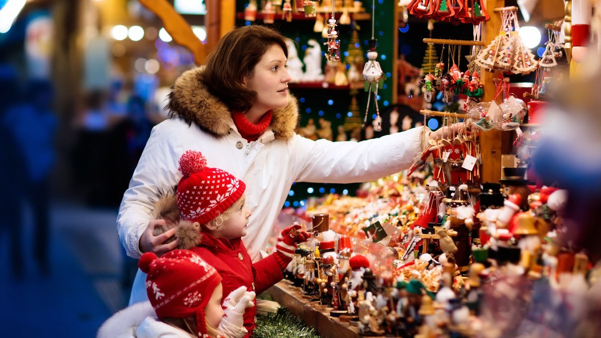 Řetězce zahajují prodej vánoční stromků, lze je objednat ionline
