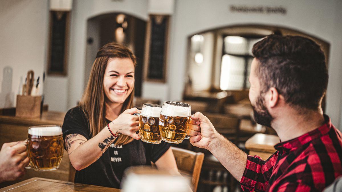 """Zachraň hospodu 2.0.Pivovary """"zateplují"""" lokály a vymýšlejí nové pivo"""