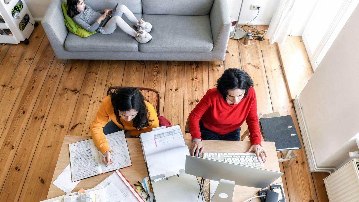 Dvě pětiny Američanů by odešly zpráce, pokud jim firma zakáže home office